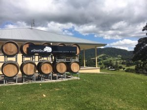 crooked river winery